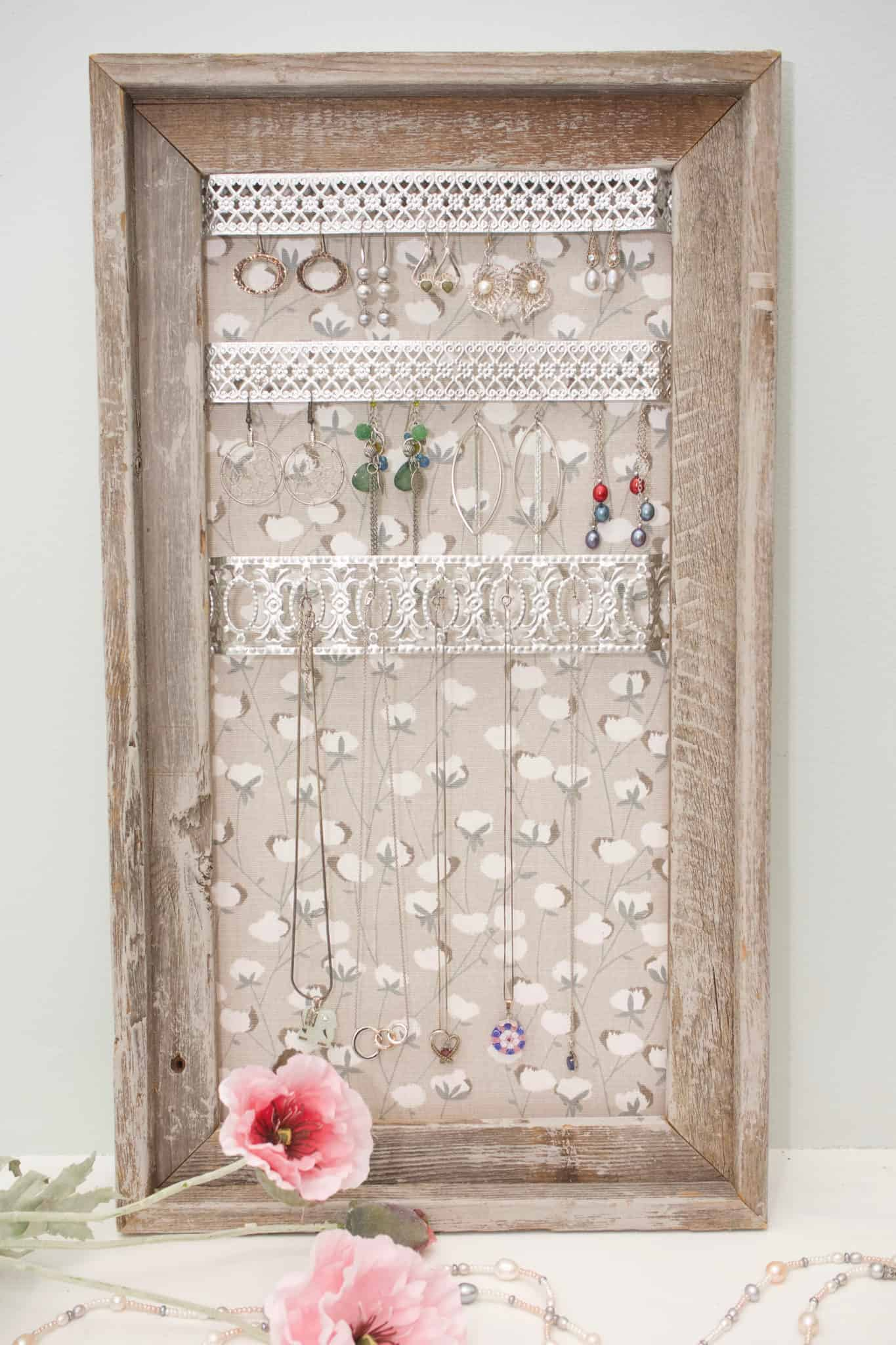 Check out this super easy tutorial for how to make a rustic jewelry organizer. Make all of your favorite pieces easy to get to!