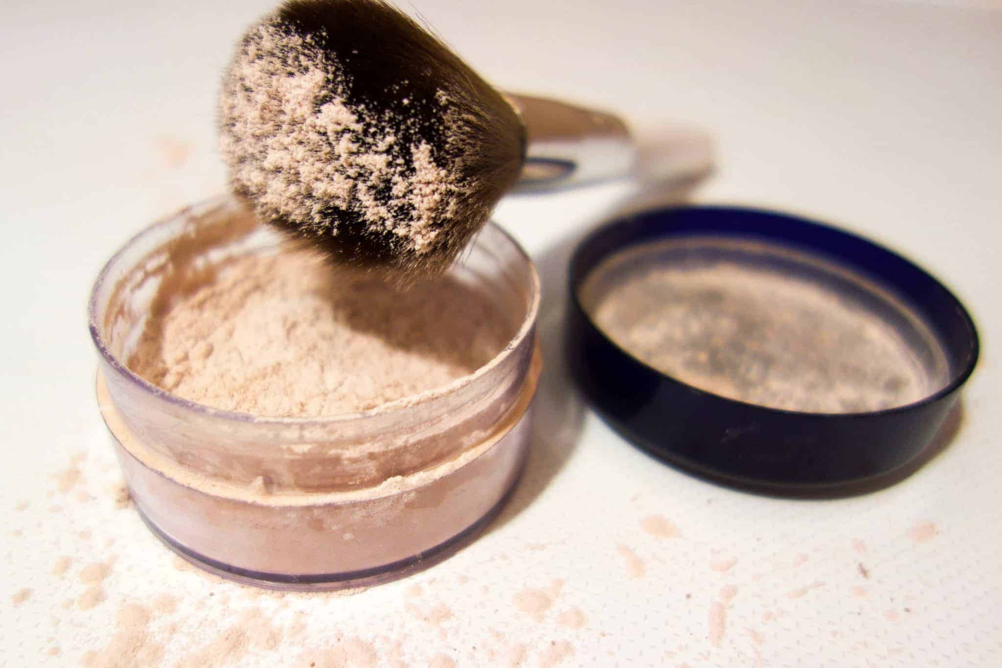 Super simple to make translucent powder. Only two ingredients!