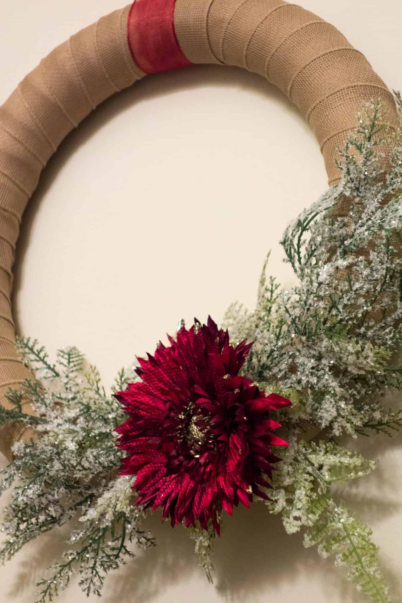 A simple and versatile DIY Christmas Wreath