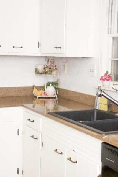 This easy, and cheap, DIY project can quickly transform the entire look of your kitchen. Check out this simple tutorial on how to paint a ceramic tile backsplash.