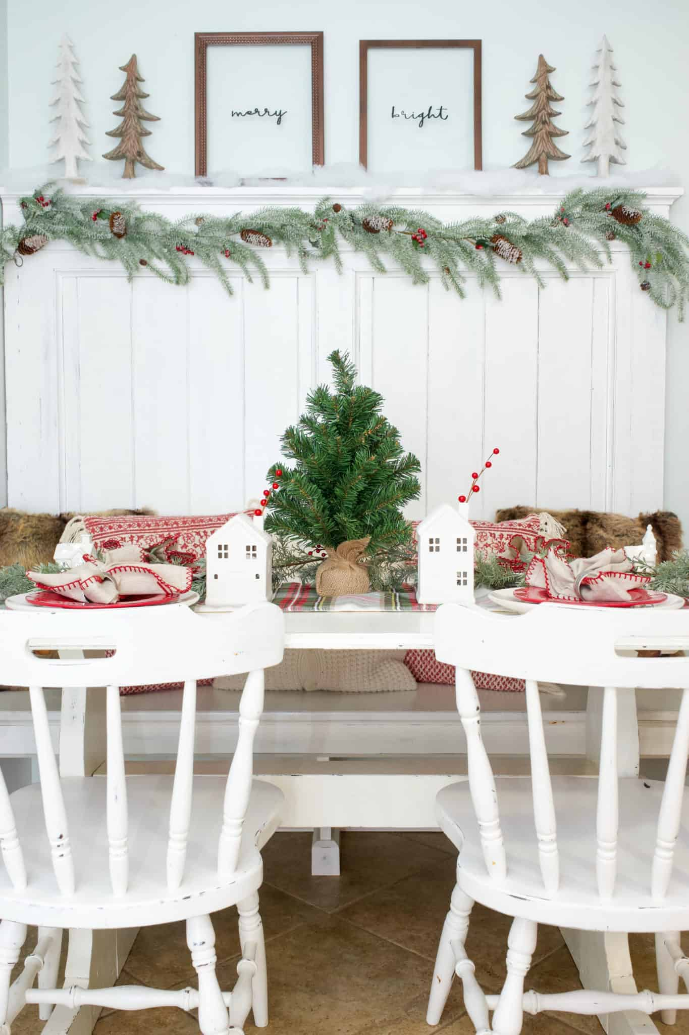 I've decked my home for the holidays. My simple Christmas kitchen decor is a mix of rustic and traditional elements.