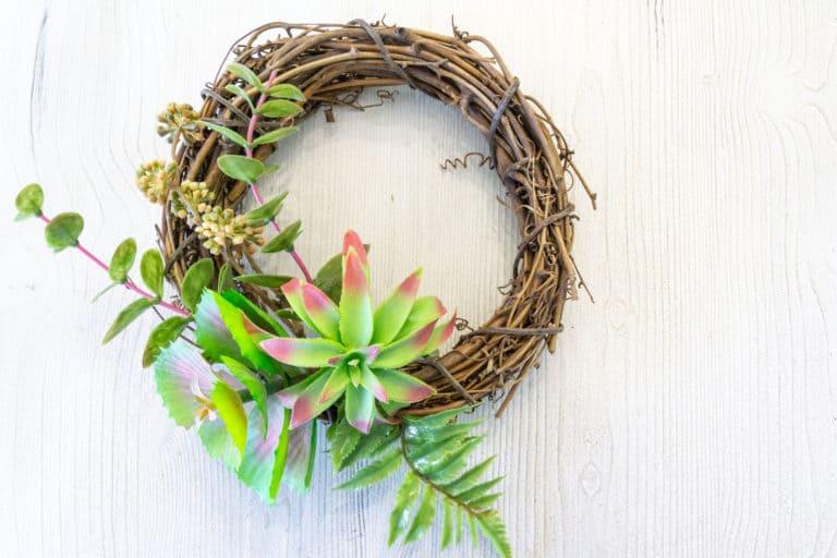 The Easiest DIY Succulent Wreath