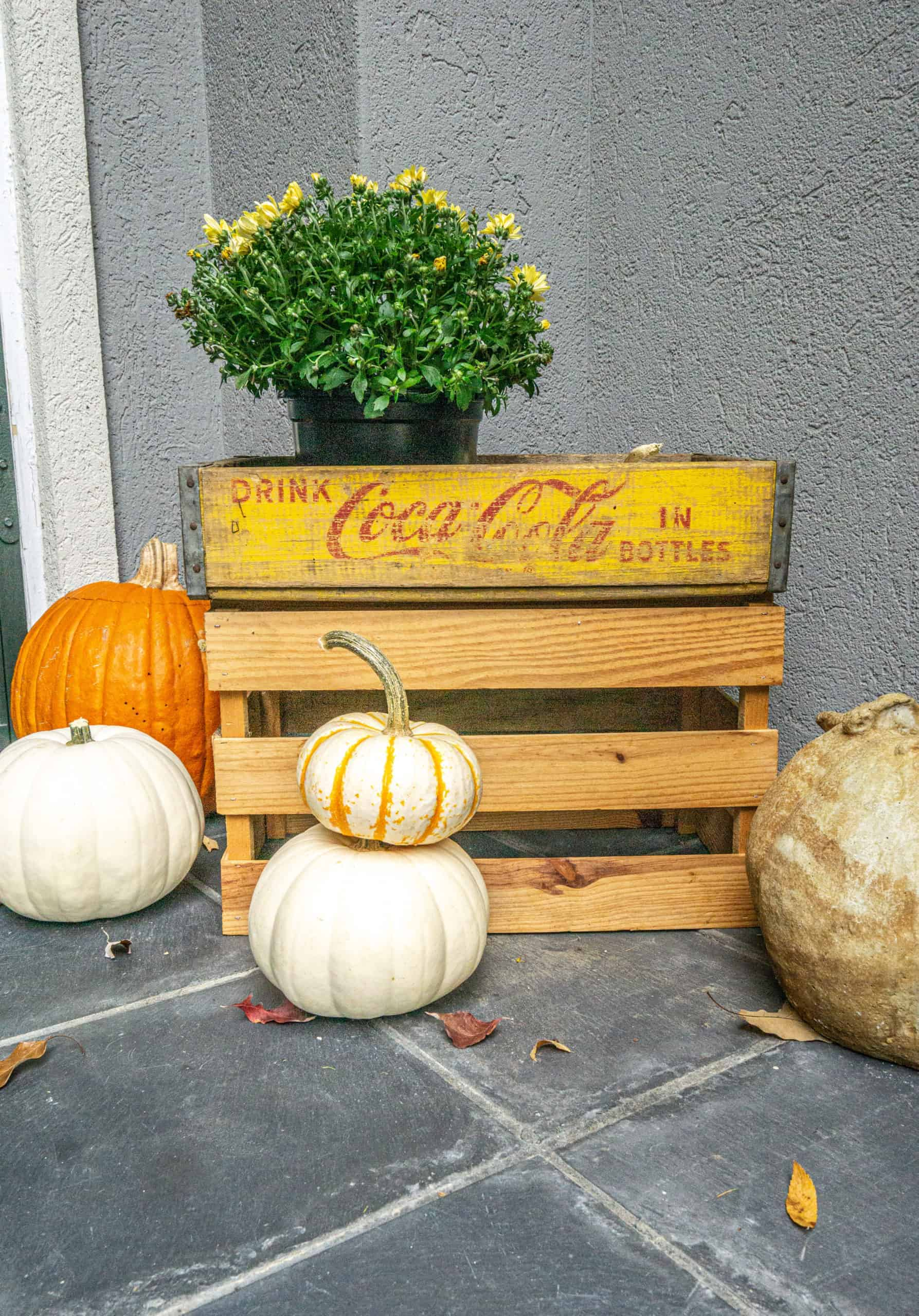 Today, I want to share how to decorate a small porch for fall.  Maximize your space, while keeping it both functional and beautiful.
