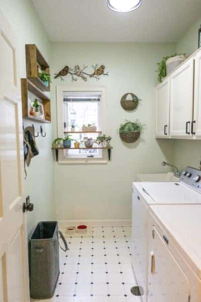 Just a few easy changes can transform a dingy laundry room into a bright, and functional, space.  Here's my own budget laundry room makeover.